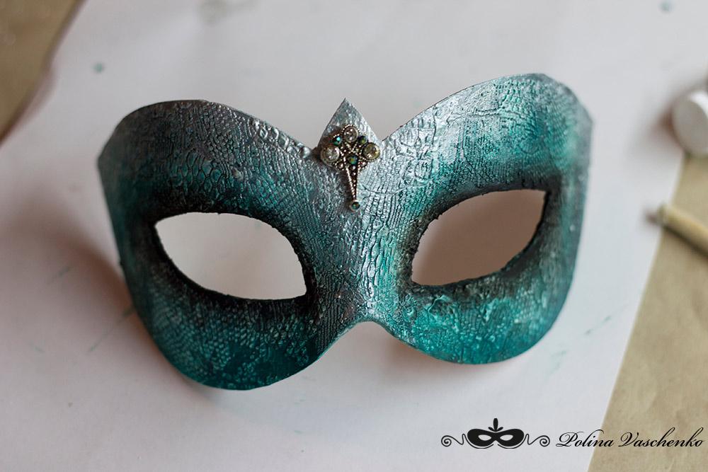 Как сделать красивую маску на новый год